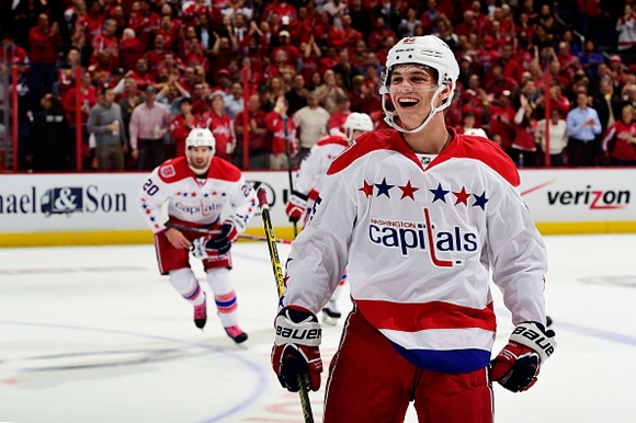 (Video) First NHL Goal: Capitals' Burakovsky nets first of career